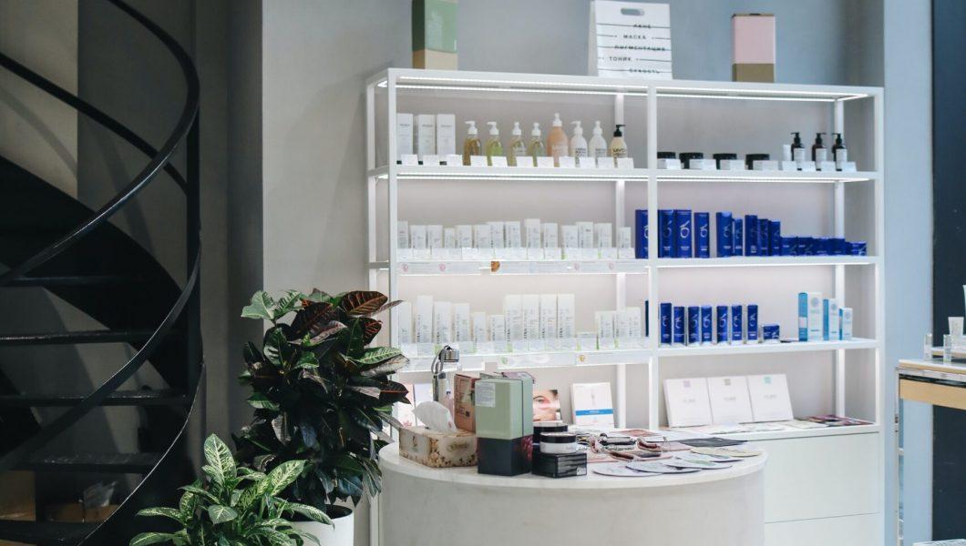 beauty-salon-interior-3736520